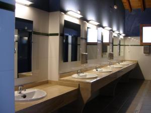 A bathroom at Camping Riaza