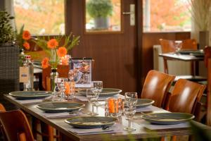 Een restaurant of ander eetgelegenheid bij Campanile Hotel & Restaurant Gorinchem
