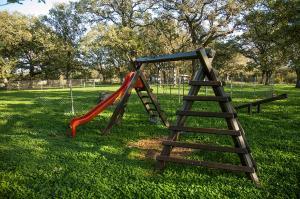 Otroško igrišče poleg nastanitve Villa Paolija
