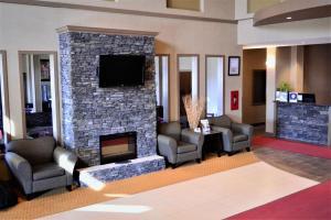 A seating area at Best Western Plus Estevan Inn & Suites