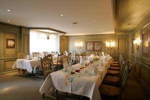 A restaurant or other place to eat at Steichele Hotel & Weinrestaurant