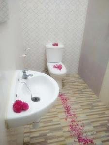 Salle de bains dans l'établissement Clover Homestay