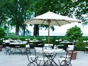 En restaurant eller et andet spisested på Hotel Frederiksminde