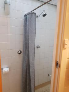 A bathroom at Morphett Arms Hotel