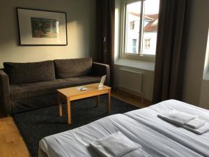 En sittgrupp på Hotell Svanen