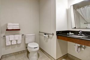 A bathroom at Canalta Selkirk