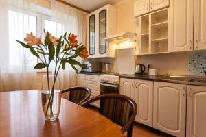 Кухня или мини-кухня в Ап-ты у Парка Победы и СКК