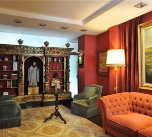 A seating area at Hotel-Hospedería los Templarios