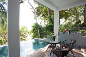 The swimming pool at or near Arawan Krabi Beach Resort