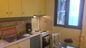 A kitchen or kitchenette at CENTRAL Studio - Fully equiped. Ideal for couples