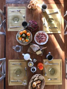 Options de petit-déjeuner proposées aux clients de l'établissement B&B Villa Tavallini