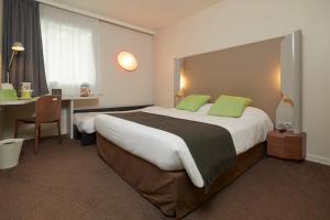 Un ou plusieurs lits dans un hébergement de l'établissement Campanile Nantes Centre - Saint Jacques