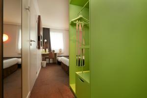 Salle de bains dans l'établissement Campanile Nantes Centre - Saint Jacques