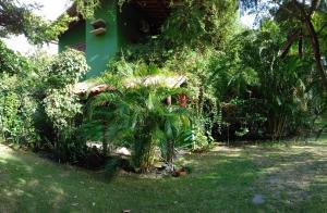 A garden outside Casa Aldeia de Moreré