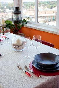 A restaurant or other place to eat at Domus Mirabile