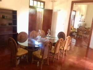 Un restaurante o sitio para comer en Hacienda Kaua