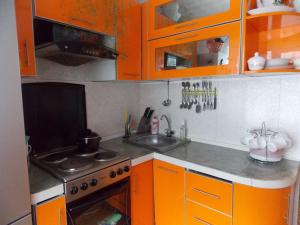 A kitchen or kitchenette at Apartment on Gagarina