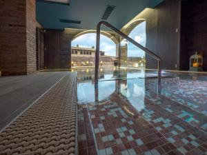 The swimming pool at or near Hotel Villa de Alquézar