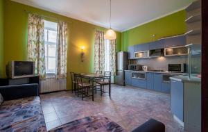 Кухня или мини-кухня в RentPiter Loft Nevsky 96