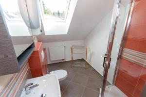 A bathroom at Penzion U Pešků