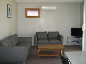 A seating area at Rivergum Holiday Park