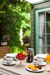 Breakfast options available to guests at Mountain Whispers Strawberry Patch