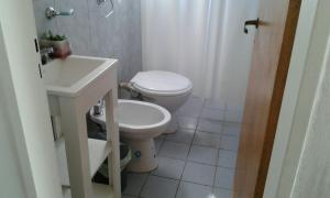 Un baño de Departamento La Lliera