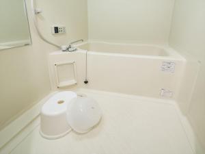 A bathroom at COTO Tokyo Asakusa 3