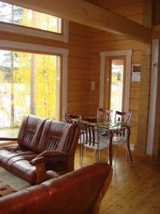 A seating area at Hauklapintie Holiday Home