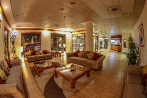 El vestíbulo o zona de recepción de Hotel Diego de Almagro Punta Arenas