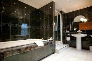 A bathroom at Culloden House Hotel