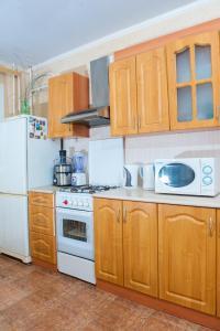Кухня или мини-кухня в Ростов Хостел