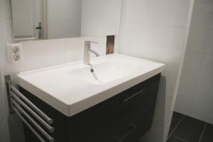 A bathroom at The Poolhouse