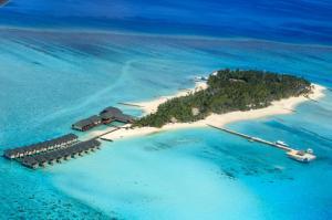 A bird's-eye view of Summer Island Maldives Resort