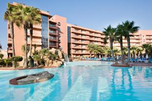 The swimming pool at or near Hotel Best Roquetas