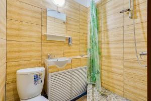Ванная комната в Hotel Turist na Soldatskoi