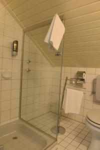 A bathroom at Best Western Hotel Rhön Garden