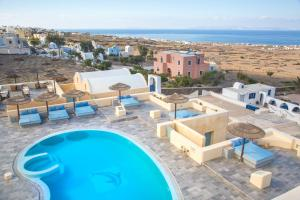 A view of the pool at Anemoessa Villa or nearby