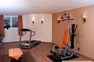 The fitness center and/or fitness facilities at Hotel Bess