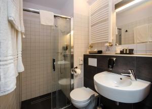 A bathroom at Best Western Hotel Mariacki Katowice