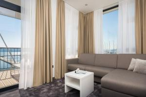 A seating area at Marina Baotić Apartments