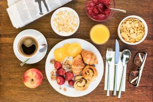 Breakfast options available to guests at Abella Suites & Apartments by Artery Hotels