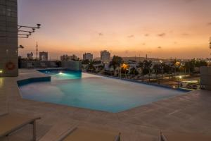 The swimming pool at or near Hilton Garden Inn Barranquilla