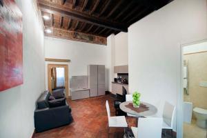 Coin salon dans l'établissement Navona Luxury Apartments