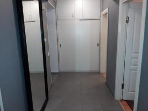 Um banheiro em Apartment on Gadzhibekova 27