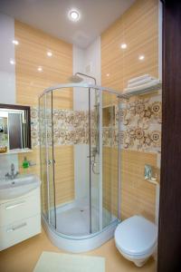 Ванная комната в Elion Hotel