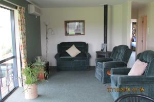 A seating area at Wilderness Cottage