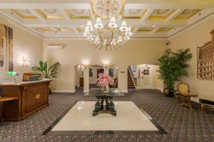 The lobby or reception area at Hollywood Historic Hotel
