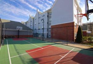 Tennis and/or squash facilities at Residence Inn by Marriott Princeton at Carnegie Center or nearby