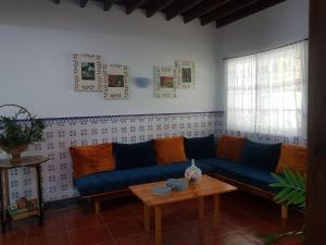 A seating area at Casa da Nascente